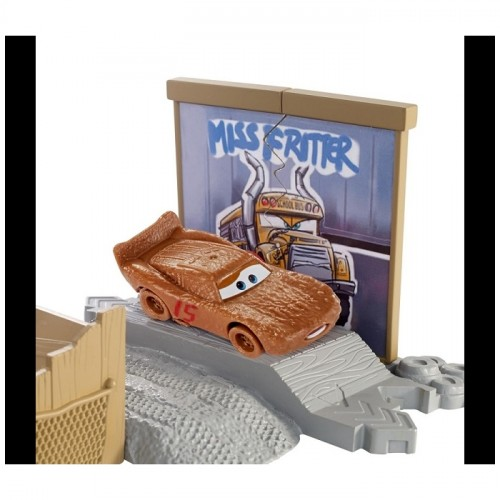 Disney Cars 3 Film Sahneleri Oyun Seti DVT46