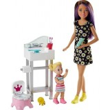 Barbie Bebek Bakıcısı Oyun Seti FJB01