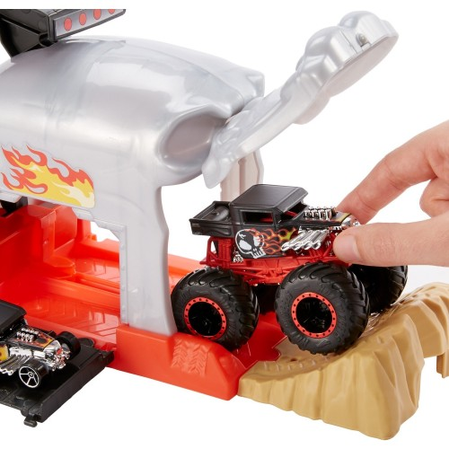 Hot Wheels Monster Trucks Fırlatıcılı Oyun Seti GKY02