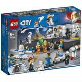 Lego City İnsan Paketi - Uzay Araştırma ve Geliştirme 60230